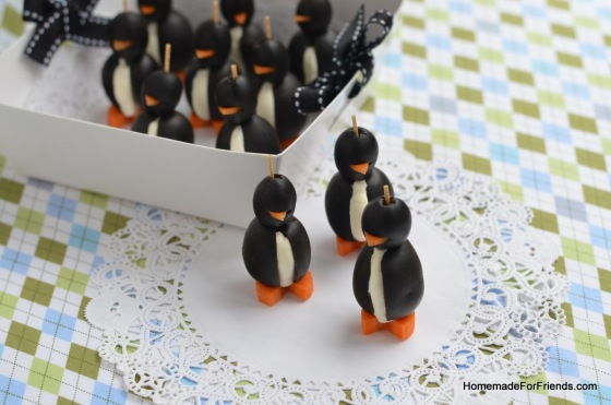 These tasty penguins come ready to party!