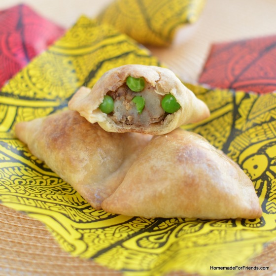 Homemade Vegetarian Samosas (authentic and baked!)