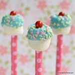 These easy Marshmallow Pops look like cute little cupcakes on a stick!