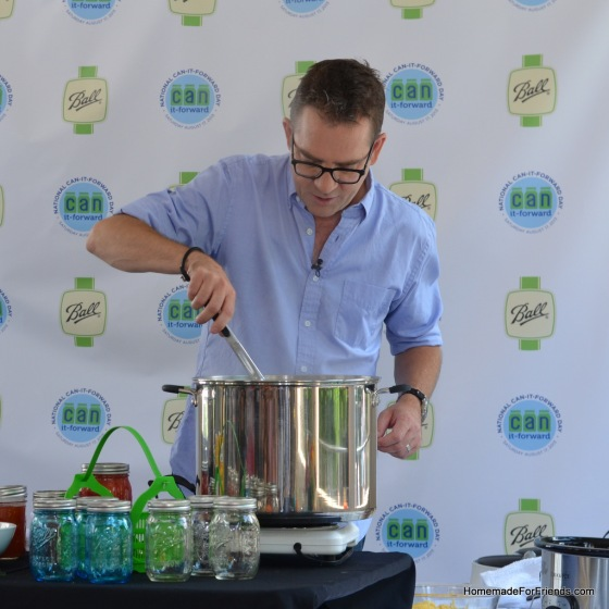 Ted Allen demonstrates the Water Bath Canning method.